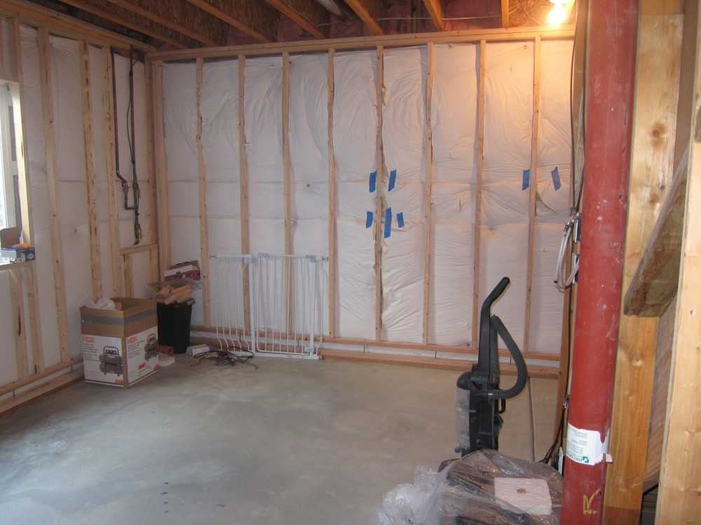 Steps To Finishing Basement Walls : Finish a basement workout area before and after pictures